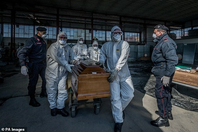 Một y tá tại Ý kết liễu cuộc đời sau khi nhận kết quả dương tính với Covid-19