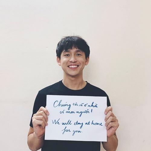 Quang Bảo góp phần lan tỏa thông điệp ở nhà.