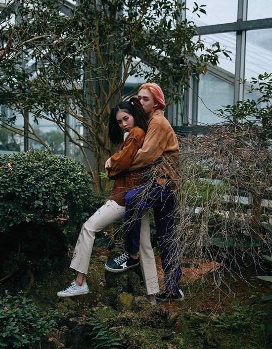 Hyuna và bạn trai Dawn chụp bộ hình mới, trong đó có những kiểu tạo dáng khó hiểu.