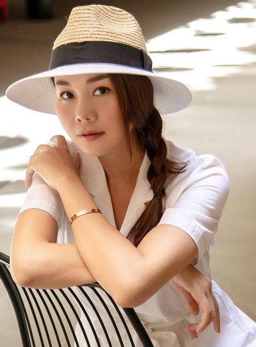 Tóc tết đặc biệt hợp để mix cùng turban hay các kiểu mũ cói.