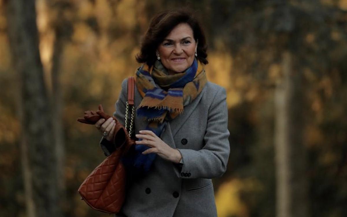 Phó Thủ tướng Tây Ban Nha, Carmen Calvo, đến tham dự cuộc họp nội các đầu tiên tại Cung điện Moncloa ở Madrid, Tây Ban Nha, ngày 14 tháng 1 năm 2020