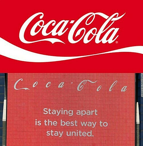 Quảng cáo Coca-Cola tại Quảng trường Thời đại cùng khẩu hiệu: Cách xa để duy trì kết nối.