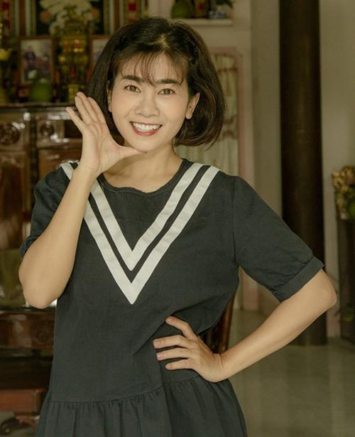 Trên phim trường, Mai Phương luôn giữ nụ cười lạc quan. Cô thể hiện sự tâm huyết với nghề bằng sự chỉn chu trong từng phân cảnh.