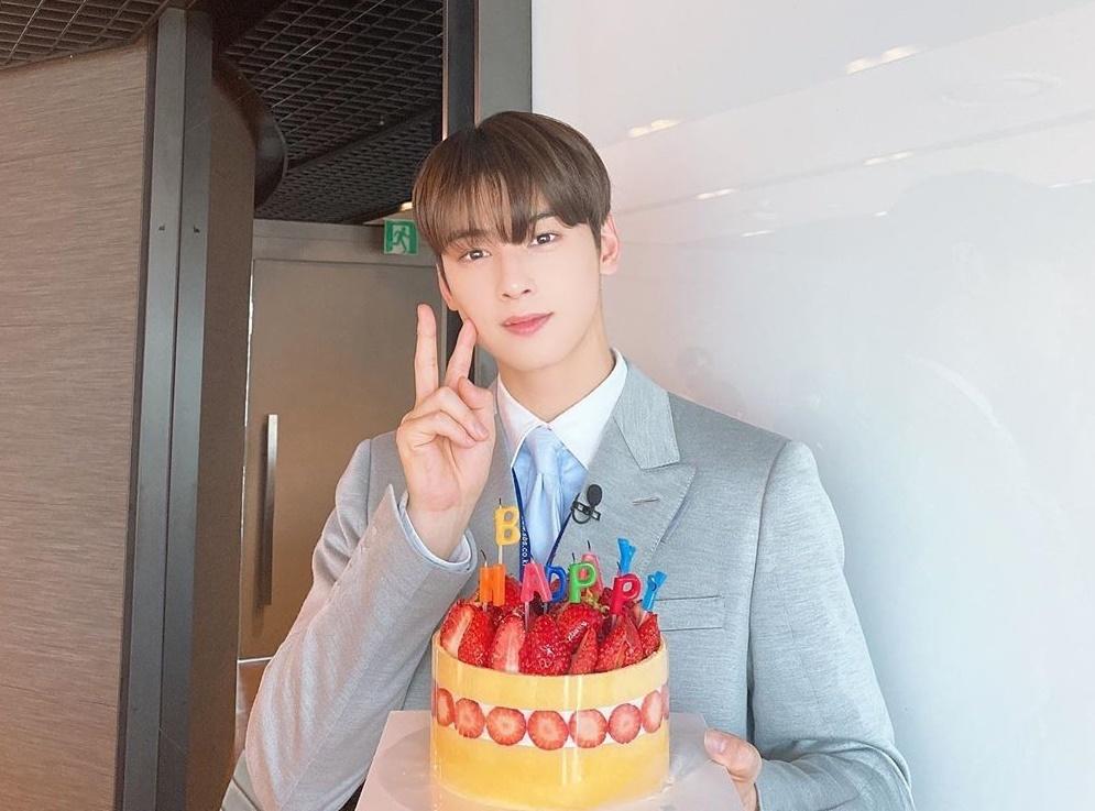 Cha Eun Woo đón sinh nhật 23 tuổi.