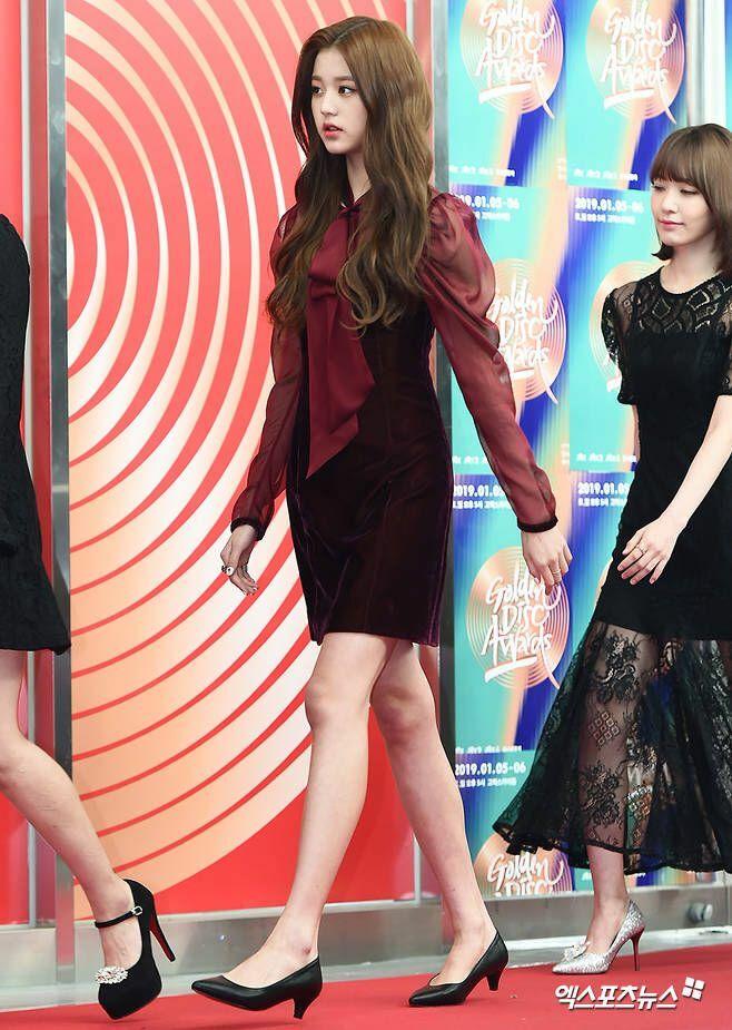 Seo Hyun đẹp lấn át đàn em 10x khi đụng hàng - 8