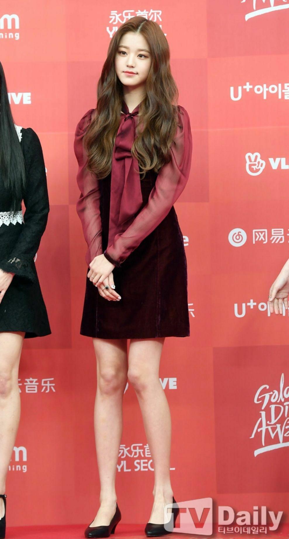 Seo Hyun đẹp lấn át đàn em 10x khi đụng hàng - 10