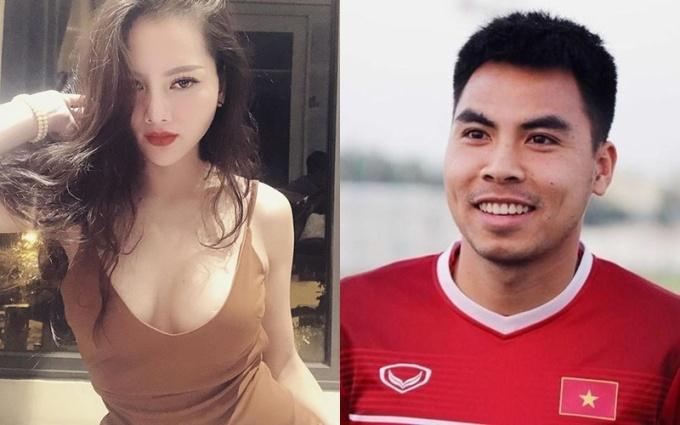 <p>Sau khi chia tay mối tình 4 năm,tiền vệ Đức Huy bị fan ''phát hiện'' đang hẹn hòngười mới.Là mẫu cầu thủ kín tiếng trong chuyện tình cảm nênĐức Huy không ''follow''bạn gái trên mạngxã hội.</p>
