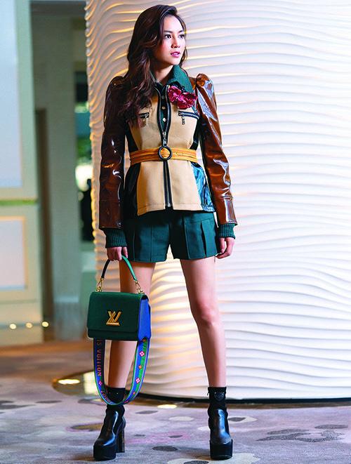 Trong bộ ảnh thời trang mới thực hiện cho một tạp chí, Lan Ngọc tạo dáng với loạt đồthuộc sưu tập Xuân Hè 2020