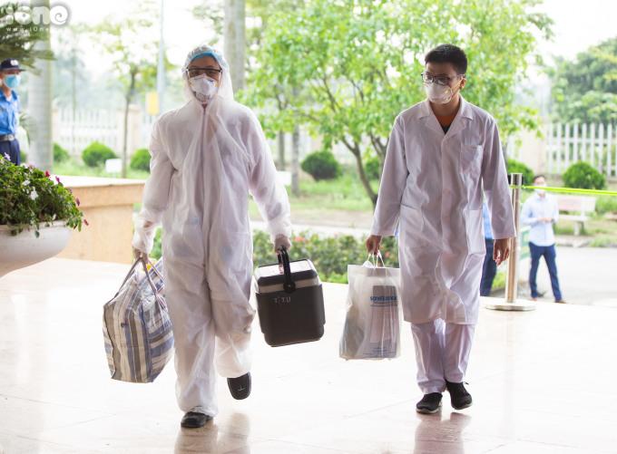 """<p class=""""Normal""""><span>Tối 7/4,tổng số ca nhiễm tại Việt Nam lên 249 trường hợp.122 bệnh nhân hồi phục và được xuất viện. 127trường hợp đang được điều trị tại 21 cơ sở y tế trên khắp cả nước.</span></p>"""