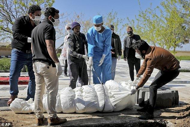 600 người Iran chết vì tin rằng uống cồn giúp chống corona - 2