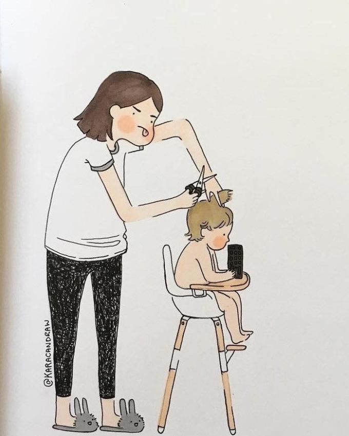 """<p>Với bạn mẹ giống như """"siêu nhân"""",có thể vừa nấu cơm, vừa dỗ dành mỗi khi bạn khóc; có thể giặt quần áo, dọn dẹp nhà cửa, may vá và cắt tóc tại nhà.</p>"""