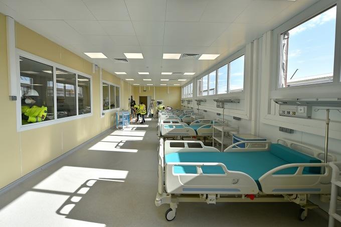 """<p class=""""Normal"""">Một khu vực tại bệnh viện mớiVoronovskaya. Bệnh viện trị giá <span>130 triệu USD</span> sắp được mở cửa để điều trị cho bệnh nhân Covid-19. Nga xây dựng bệnh viện này trong vòng chưa đầy một tháng với khoảng 10.000 công nhânlàm việc suốt ngày đêm.</p>"""