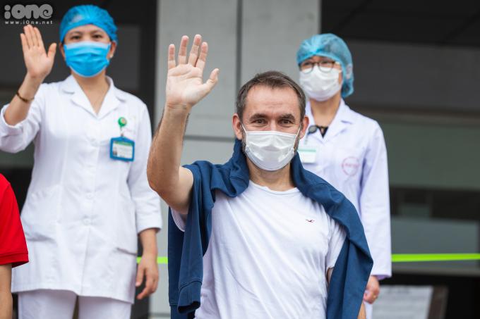 """<p class=""""Normal""""><span>Cựu Đại sứ Pháp tại Việt Nam được công bố khỏi bệnhsau 17 ngày điều trị vớihai lần xét nghiệm âm tính.</span></p>"""