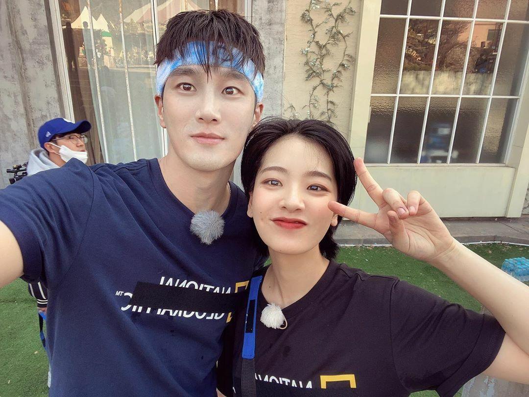 Ahn Bo Hyun và Lee Joo Young của Itaewon Class tái ngộ trong chương trình Running Man.