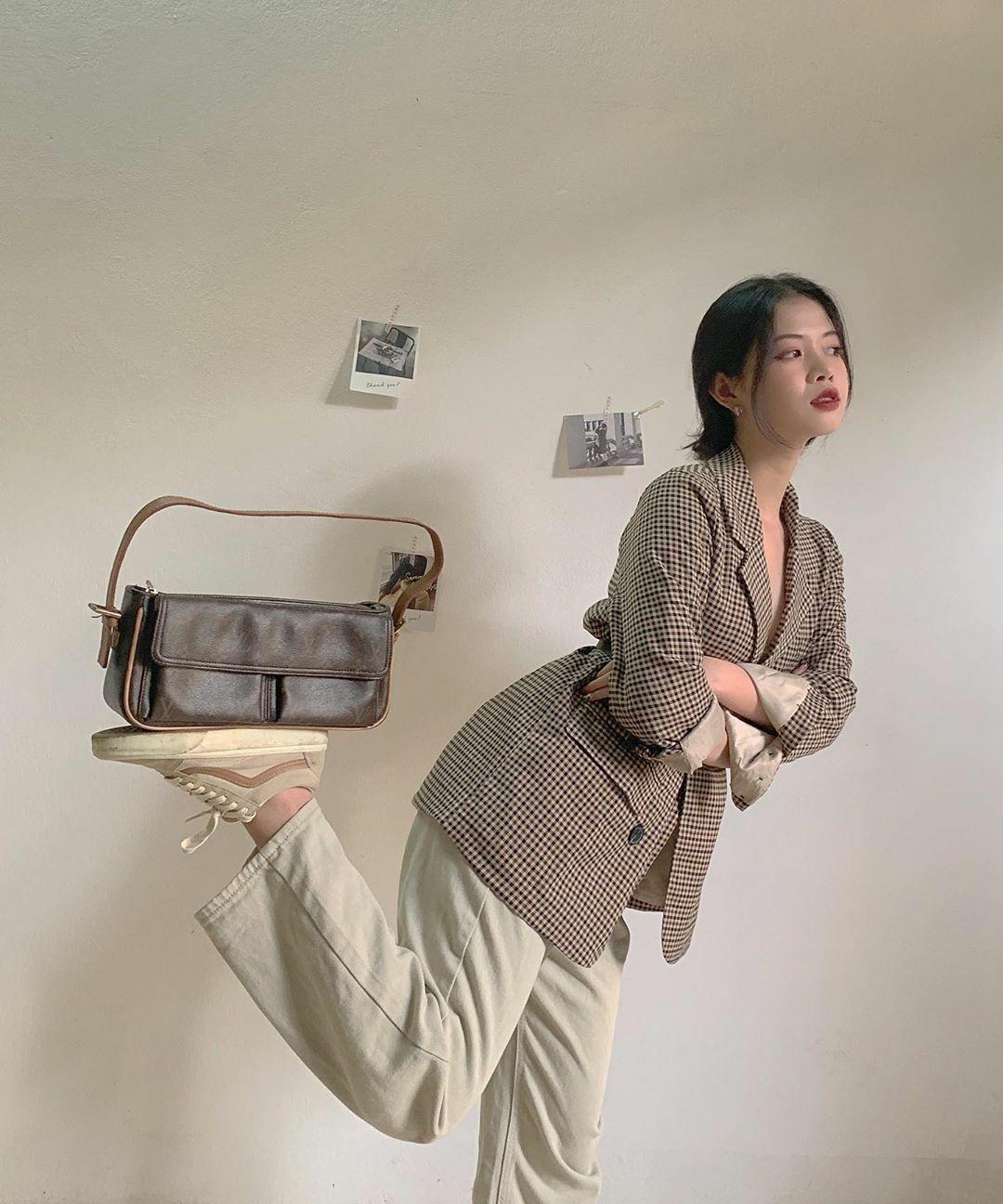 Nhiều cô gái Việt cũng bắt đầu hưởng ứng trào lưu cân bằng thú vị này.