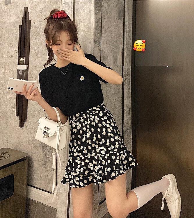 ... hay chân váy cực dễ mix đồ cũng thịnh hành trên nhiều shop online.