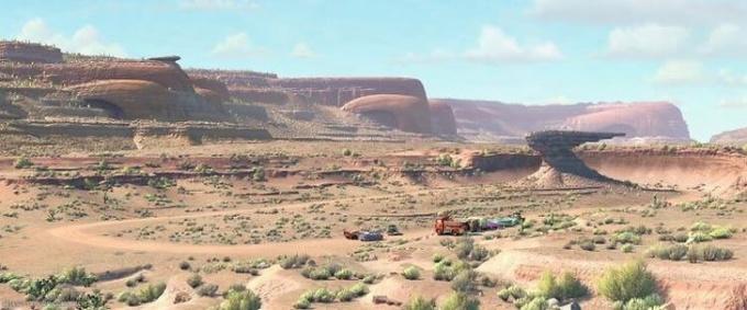 <p>Trong <em>Cars</em>, những ngọn núi được tạo hình mui xe ô tô.</p>