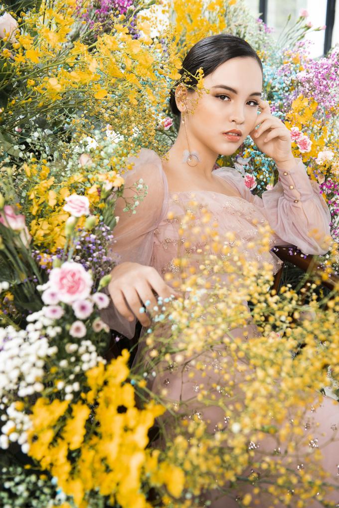"""<p class=""""Normal"""">Photo: Nguyễn Trung Đức, Stylist: Ngọc Anh Nana, Makeup: Cherry Phạm.</p>"""