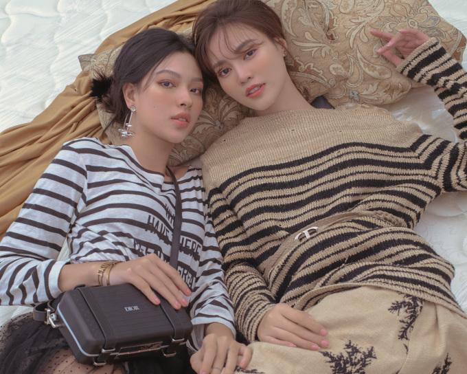 Lan Ngọc - Tú Hảo chụp ảnh'chị chị em em'