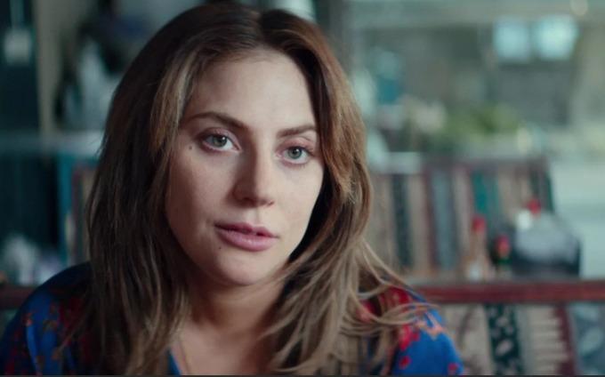 <p><strong>A Star Is Born</strong></p>  <p>Lady Gaga thừa nhận nhân vật Ally cô thủ vai trong <em>A Star Is Born</em> có tương đồng với chính cô ngoài đời, họ đều là những giọng ca tài năng nhưng ít người nghĩ sẽ thành công. Điểm khác biệt lớn nhất là Lady Gaga tự tin ở bản thân, sẵn sàng chinh phục ước mơ còn Alley thì rụt rè.</p>  <p>Gần như toàn bộ phim, Lady Gaga không hề trang điểm. Đạo diễn kiêm nam chính Bradley Cooper yêu cầu Gaga xóa lớp trang điểm ngay trong buổi thử vai đầu tiên vì theo anh, việc để mặt mộc khiến nhân vật thể hiện sự thiếu tự tin vào tài năng và ngoại hình.</p>