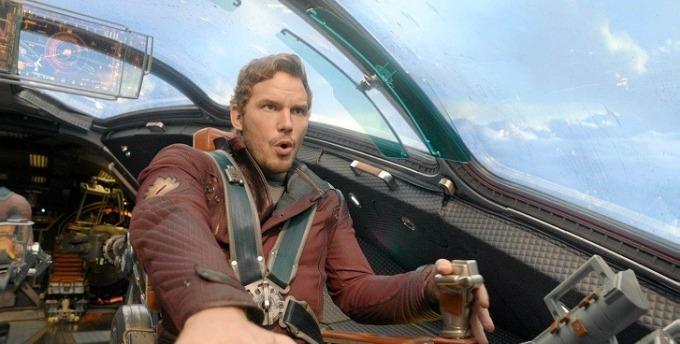 """<p class=""""Normal""""><strong>Guardians of the Galaxy</strong></p>  <p class=""""Normal"""">Sau khi quay xong <em>Guardians of the Galaxy</em>, Chris Pratt đã """"trộm"""" trang phục của nhân vật Star-Lord do anh thủ vai về nhà. Trong một cuộc phỏng vấn, anh thừa nhận làm vậy để có thể hóa thân thành siêu anh hùng Star-Lord mỗi khi đi thăm những em nhỏ bị bệnh nặng trong viện.</p>"""