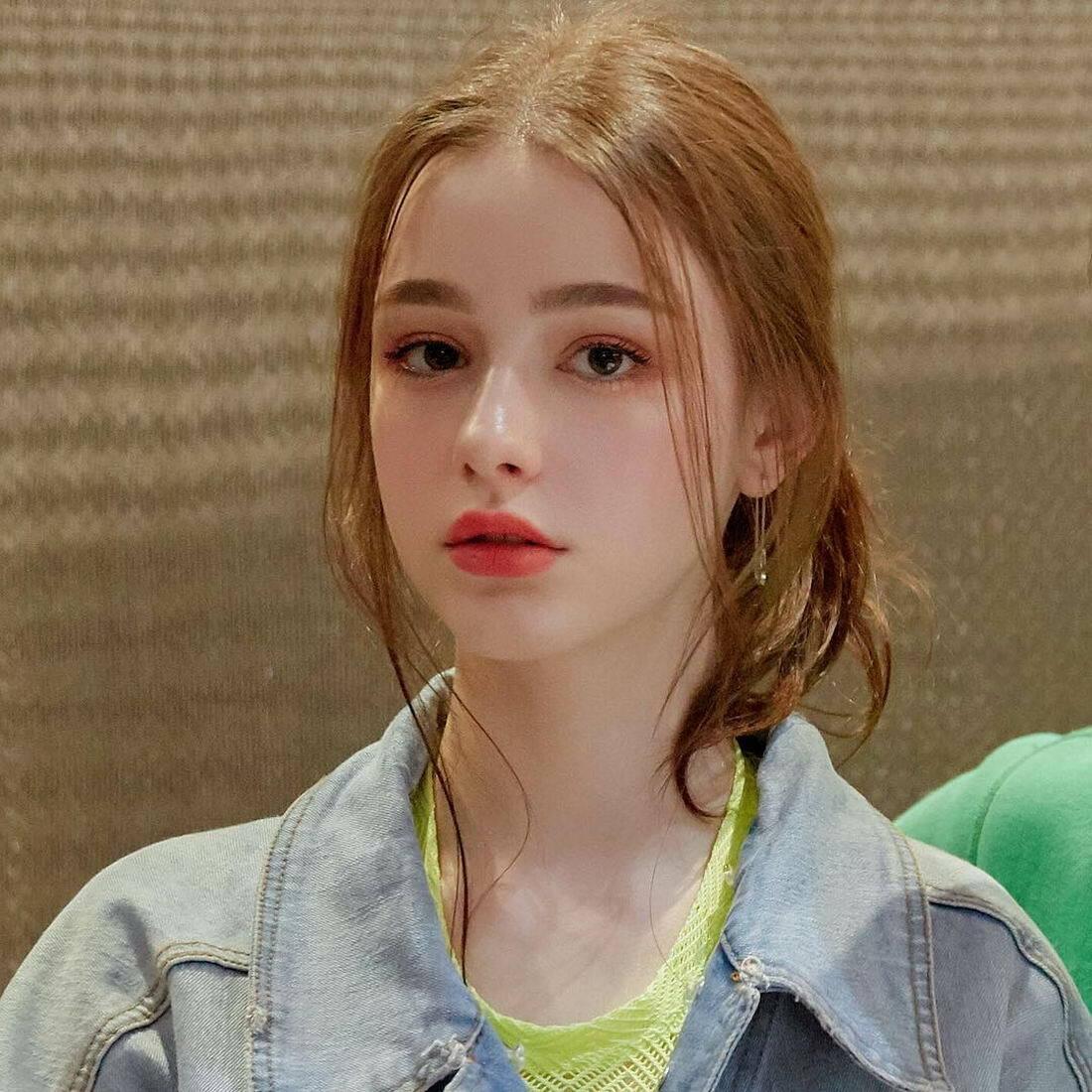 Vẻ sexy của con gái Âu Mỹ với mốt tóc như vừa ngủ dậy - 16