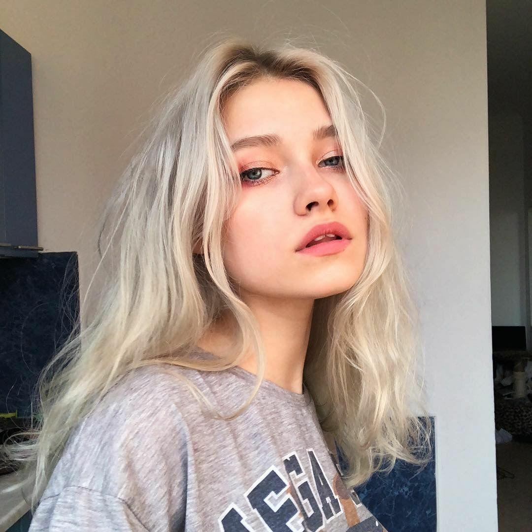 Những kiểu tóc là lượt mượt mà giờ không còn được các cô gái Âu Mỹ yêu thích. Thay vào đó, họ đang đua nhau khoe những mái tóc rối bù trong các bức hình sống ảo trên Instagram.