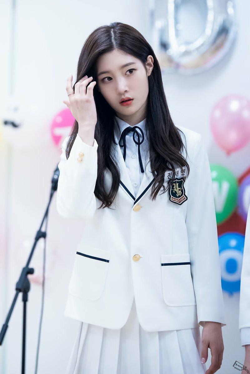 Jae Hyun - Chae Yeon: Cặp idol khí chất high teen từng học chung một lớp - 12