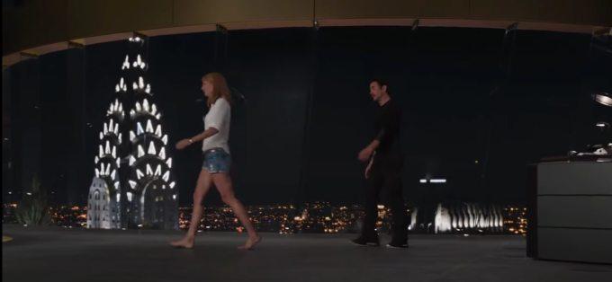 """<p class=""""Normal""""><span>Gwyneth Paltrow</span> đi chân đất vì không muốn trông cao hơn Robert Downey Jr.</p>"""