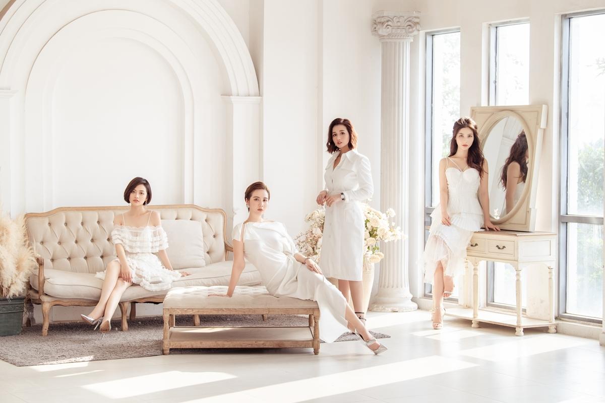 Vẫn giữ chất chị đại như trong phim,Lã Thanh Huyền (thứ hai phải sang)trôngthanh lịch và quyền lực trong bộ váy liền trắng sang trọng. Ở nữ diễn viên toát lên khí chất của một người phụ nữ thành đạt, kiêu sa.