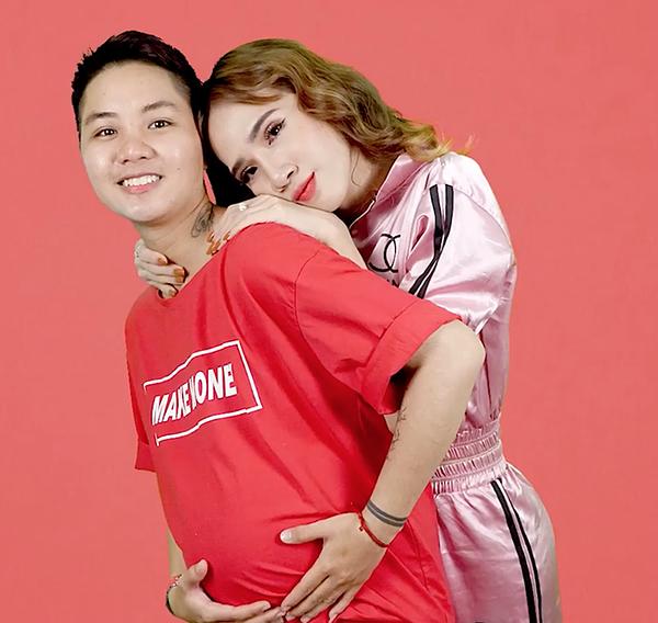 Minh Anh luôn bên cạnh, động viên chồng trong quãng thời gian anh mang thai.