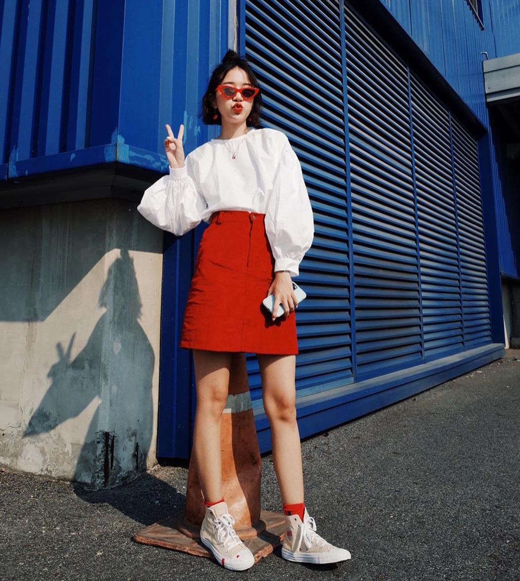 3 cách mix bao xinh với chân váy chữ A kinh điển mùa hè - 6