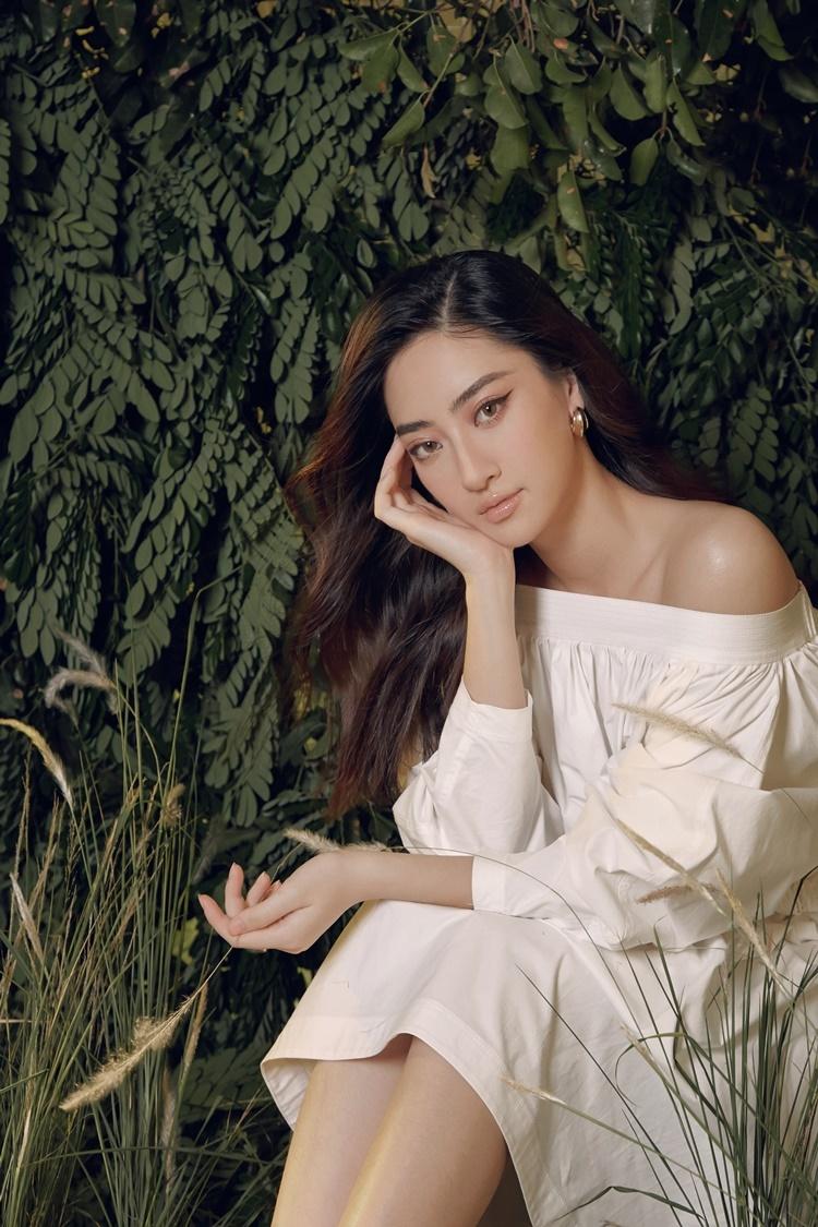 Nhiếp ảnh: Vinh Luu. Stylist: Long Vũ Nguyễn. Make-up: Xi Quan Le.