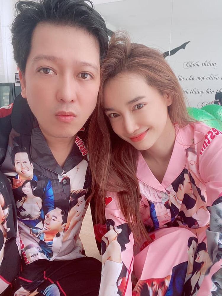 Trường Giang bên vợ trong ngày cô đón tuổi 30.