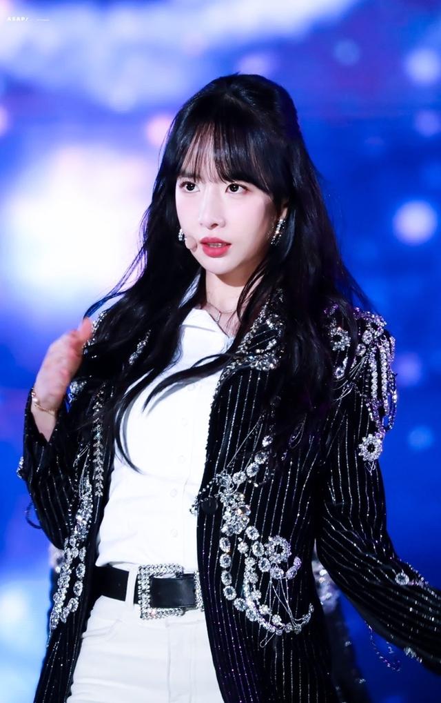 Seola cực hút fangirl và là hình mẫu lý tưởng của giới lesbian xứ Hàn.