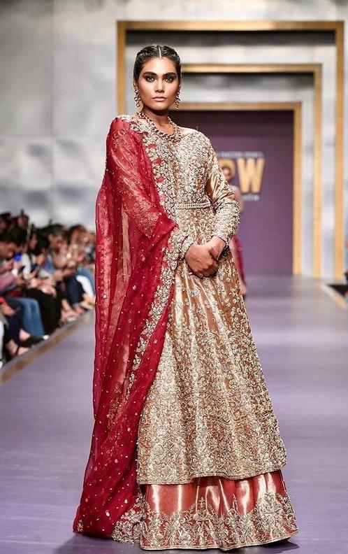 Zara Abid là siêu mẫu nổi tiếng tại Pakistan.