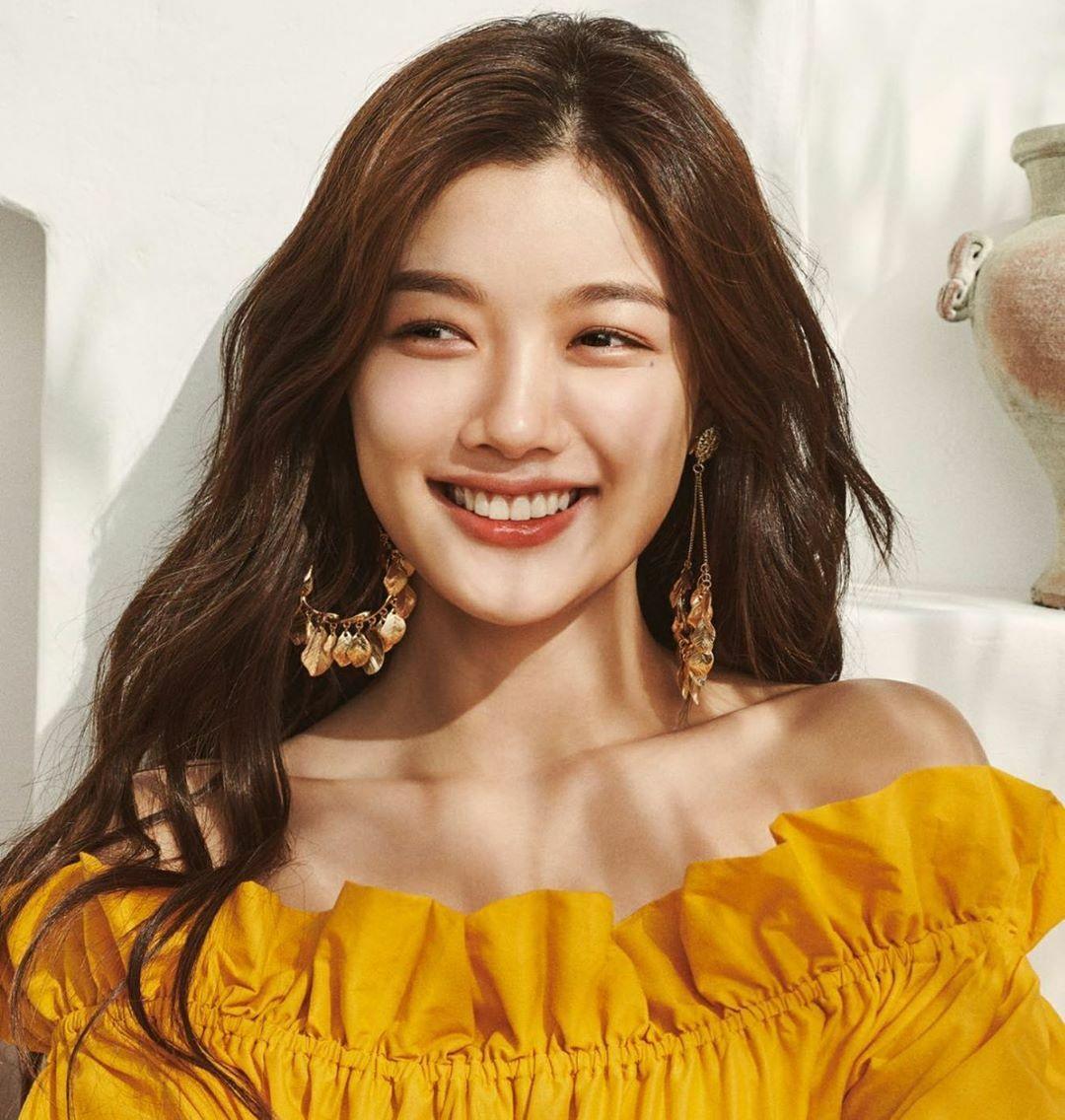 Sao nhí Kim Yoo Jung khoe nhan sắc rạng rỡ tuổi 21.