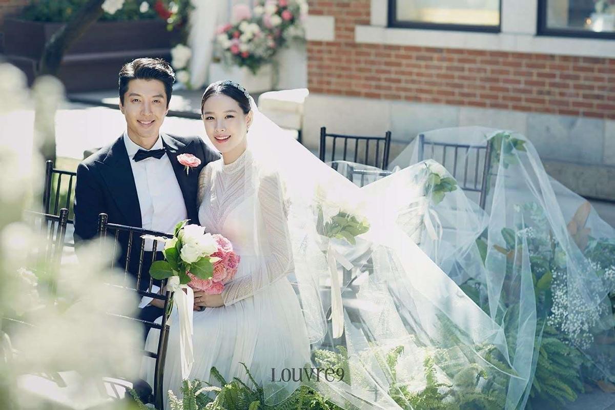 Ảnh cưới của Lee Dong Gun - Jo Yoon Hee.