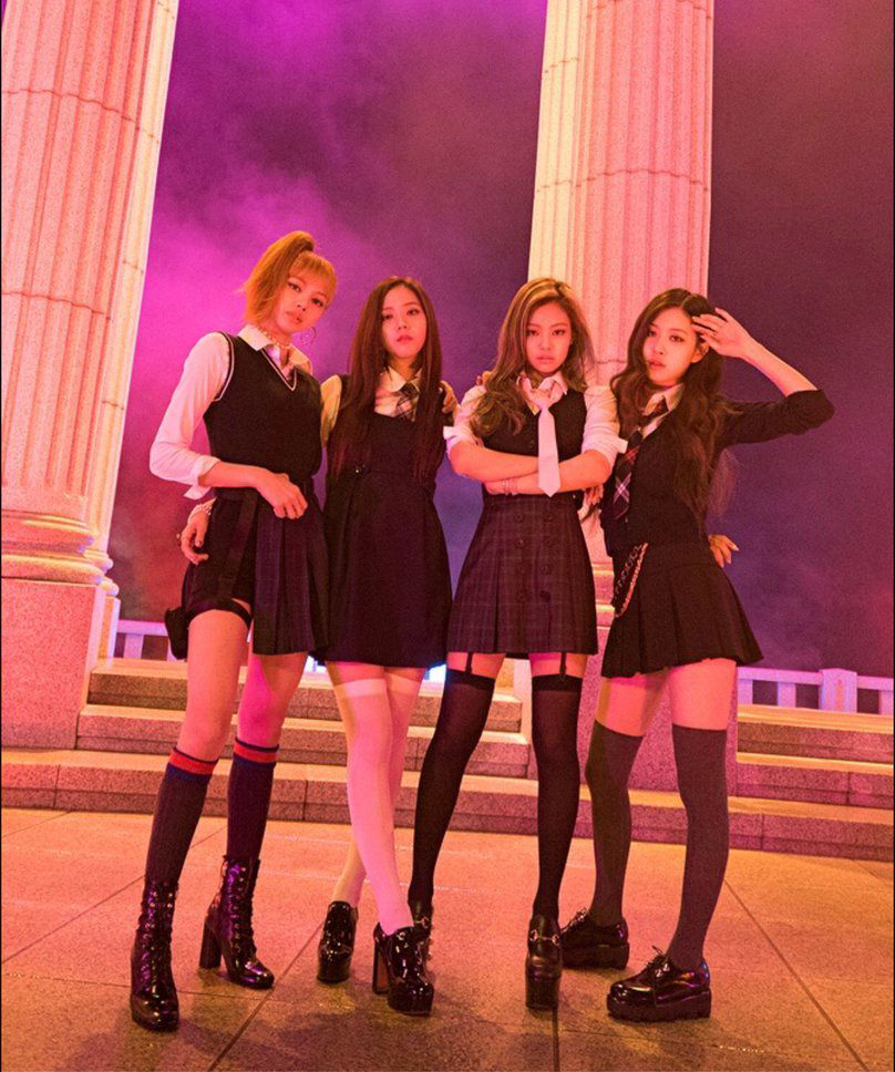 Với sản phẩm As If Its Your Last, Black Pink giới thiệu hình ảnh của những cô nữ sinh cá tính, nổi loạn, khác hẳn với phong cách học đường đáng yêu được các girlgroup Hàn khác yêu thích.