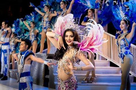 Cuộc thi sắc đẹp tôn vinh người chuyển giới ở Thái Lan.