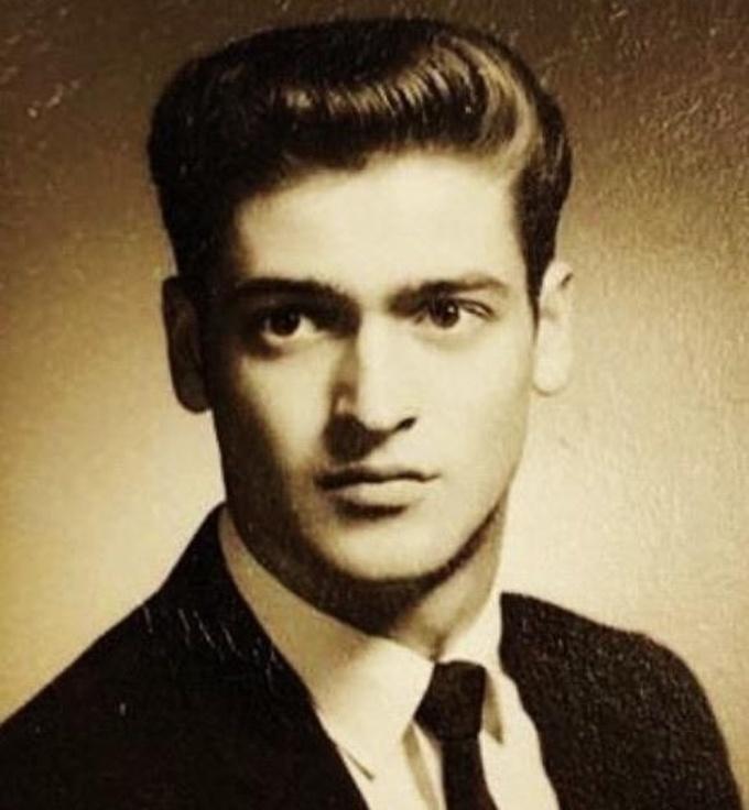 """<p class=""""Normal"""">""""Ảnh chân dung cao cấp của bố tôi, năm 1969"""".</p>"""