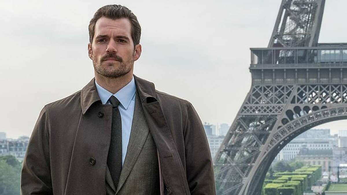 Bộ râu của Henry Cavill trong Mission: Impossible.