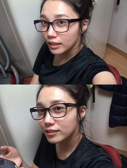 Nét đẹp tự nhiên của Eun Ji cũng được đánh giá cao. Thành viên Apink xếp thứ 9 với 0,4% lượt bình chọn.