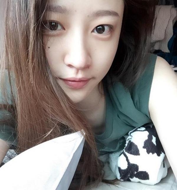 Hani xếp thứ 10 với 0,2% lượt vote. Cô có làn da mộc căng bóng khỏe mạnh, là niềm mơ ước của nhiều fangirl.