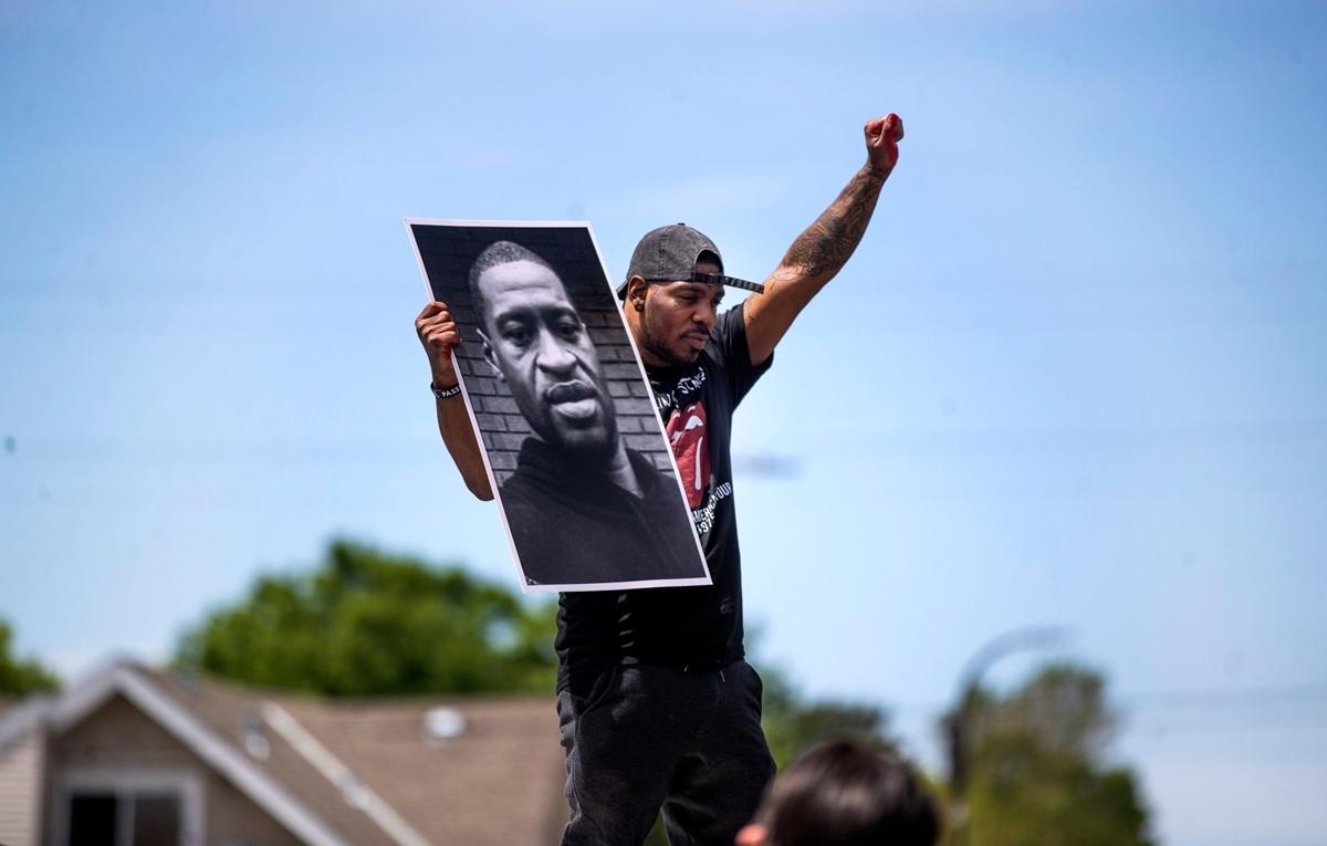 Cái chết của George Floyd đã dẫn đến những cuộc biểu tình rầm rộ khắp nước Mỹ.