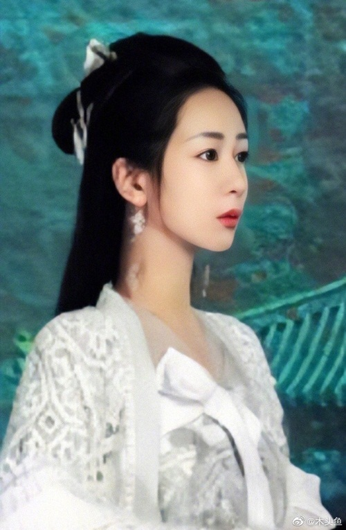Fan không nhận ra Dương Tử vì gương mặt photoshop quá mức.
