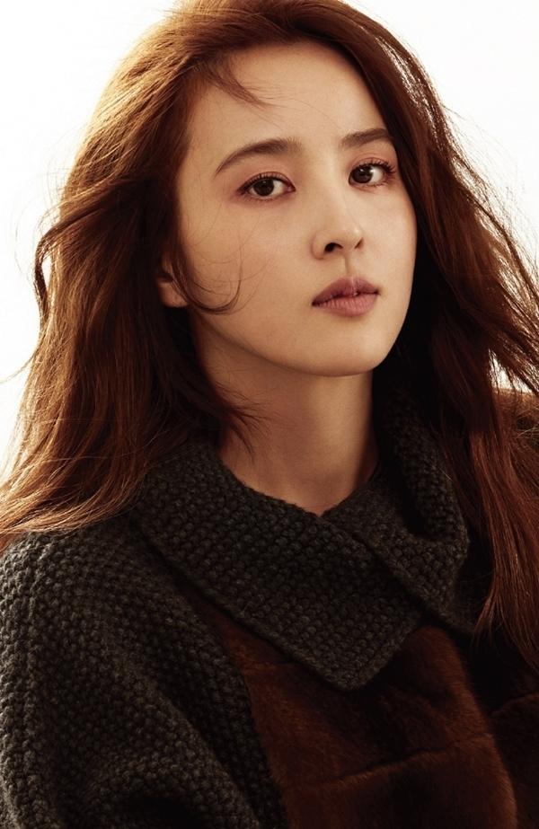 Nữ diễn viên Truyền thuyết Ju-mông sở hữu nét đẹp thanh tú dịu dàng, phù hợp với những vai diễn cổ trang.