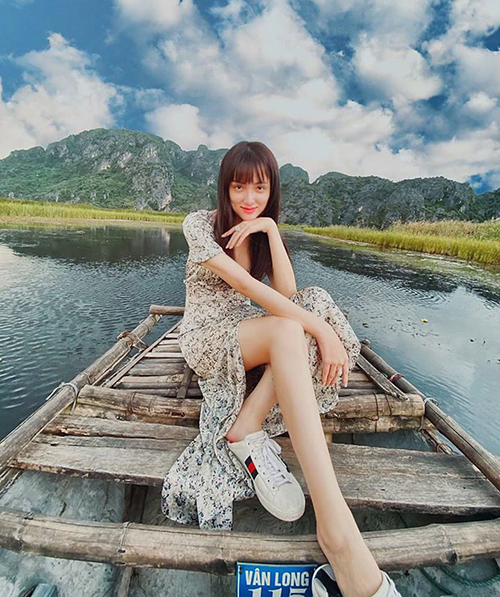 Hương Giang tranh thủ đi du lịch trong nước sau khi hết giãn cách xã hội.