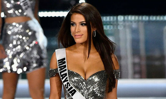 Hoa hậu Malaysia bị đòi tước vương miện vì phân biệt chủng tộc
