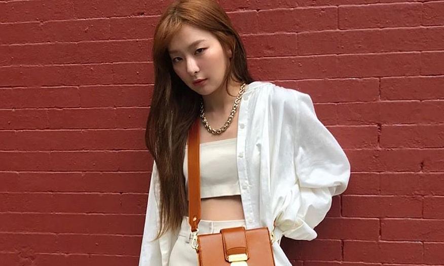 Sao Hàn rần rần diện sơ mi trắng oversized đầu hè